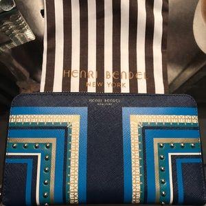 100% authentic & very RARE Henri Bendel wallet!
